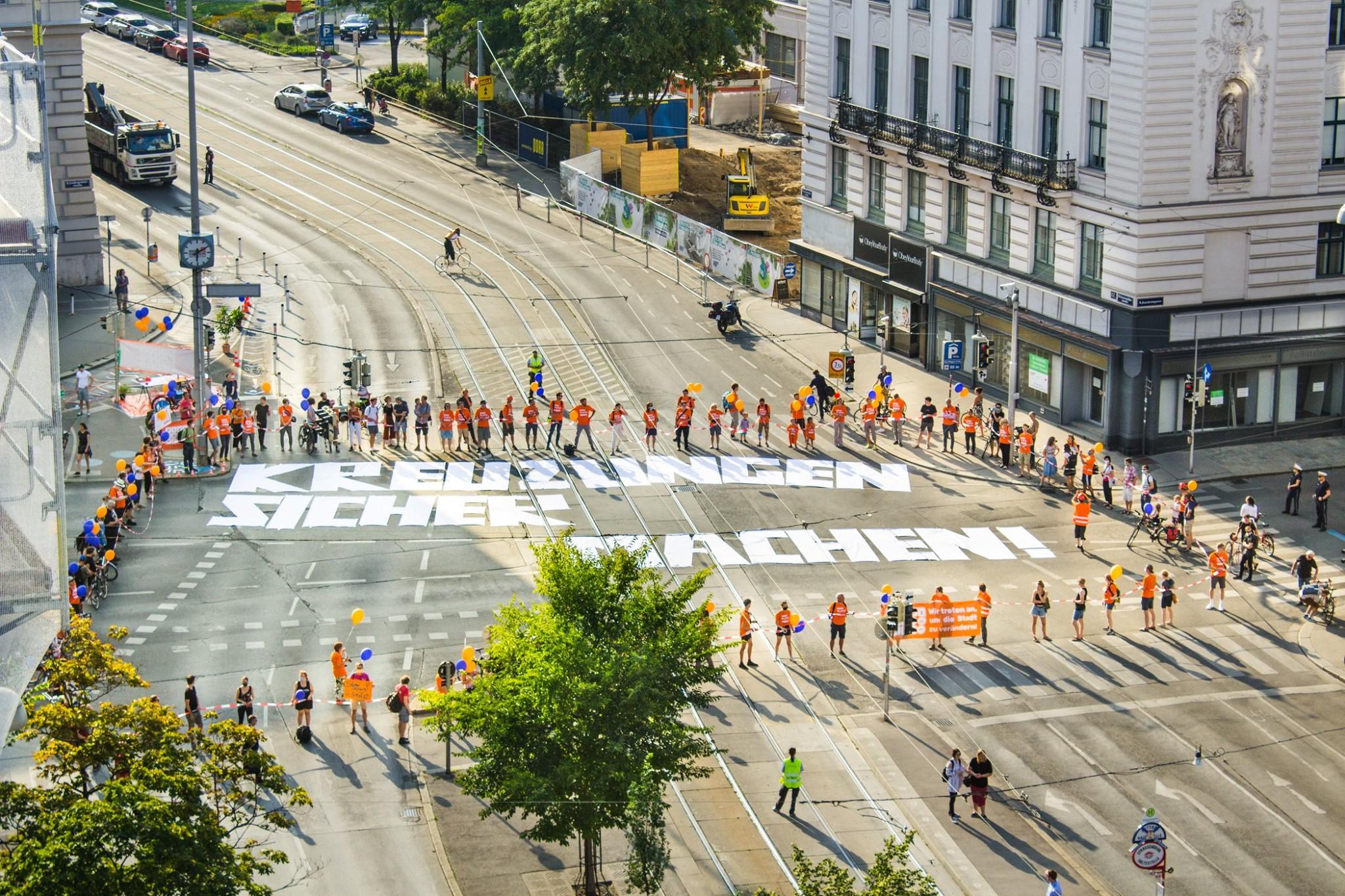 Protest auf der Kreuzung Landesgerichtsstraße/Alser Straße für mehr Sicherheit. Foto: Platz für Wien (Platz für Wien – Kollektiv Raumstation)